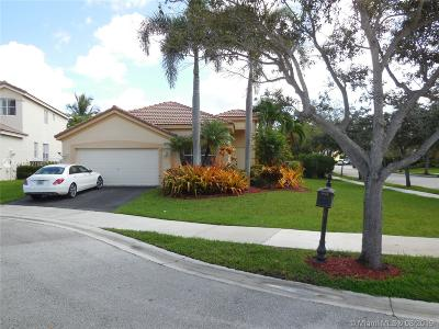 Weston Single Family Home For Sale: 1520 Tamarind Ct