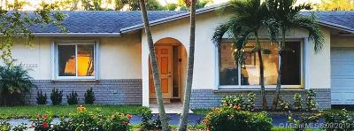 Plantation Single Family Home For Sale: 1961 SW 70th Ave