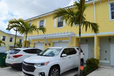 Plantation Condo/Townhouse For Sale: 4043 NW 10th Pl