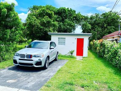 Hallandale Beach Single Family Home For Sale: 802 NW 3rd Ter
