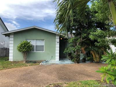 Deerfield Beach Single Family Home For Sale: 175 SW 4th St