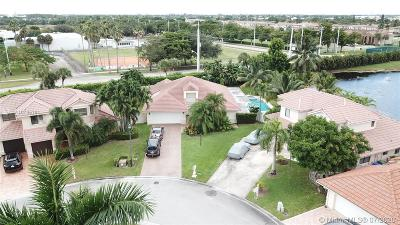 Pembroke Pines Single Family Home For Sale: 901 SW 115th Ave