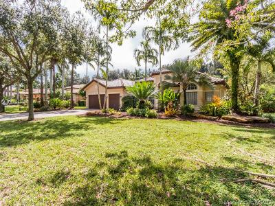 Davie Single Family Home For Sale: 10180 S Lake Vista Cir