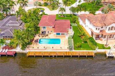 Pompano Beach Single Family Home For Sale: 2722 SE 9th St