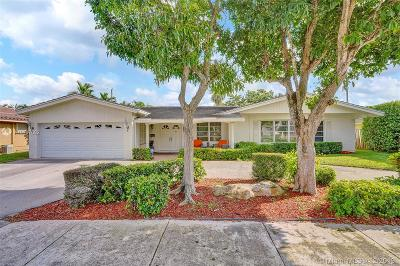 Fort Lauderdale Single Family Home For Sale: 2119 NE 59th Pl