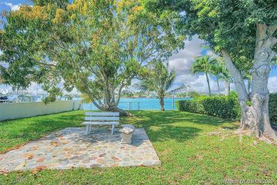 Miami Beach FL Single Family Home For Sale: $1,299,999