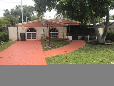 North Miami Beach Single Family Home For Sale: 1223 NE 182nd St