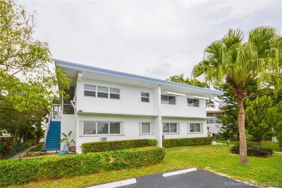 Pompano Beach Single Family Home For Sale: 761 E McNab Rd #3