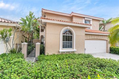 Hollywood Single Family Home For Sale: 1539 Shoreline Way