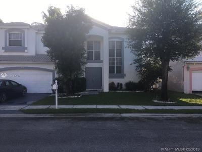 Pembroke Pines Single Family Home For Sale: 926 SW 102nd Ter