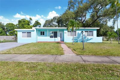 West Park Single Family Home For Sale: 3211 SW 39th Street