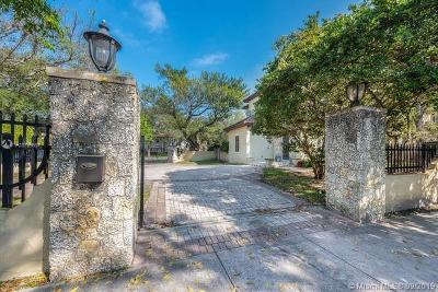 Coral Gables Single Family Home For Sale: 475 Amalfi Ave