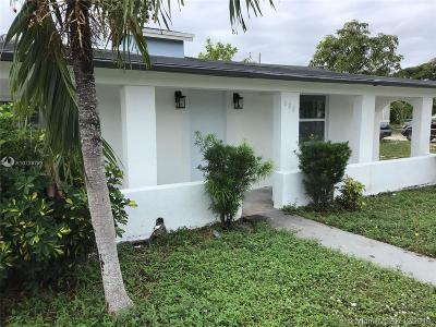 Single Family Home For Sale: 221 NW 28th Way