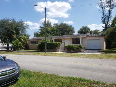 North Miami Beach Single Family Home For Sale: 490 NE 168th Ter