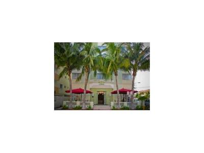 Miami Beach Condo For Sale: 4130 Collins Av #607
