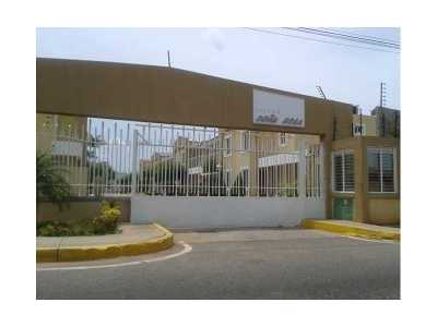 Single Family Home Active-Available: Maracaibo-Venezuela