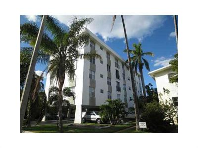 Bay Harbor Islands Condo For Sale: 1165 98 St #303