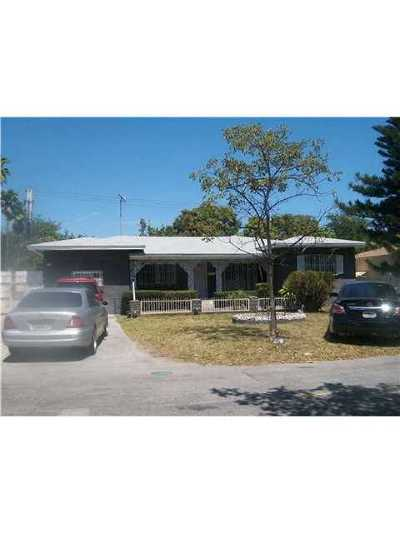 Miami FL Single Family Home Sold: $1,300,000