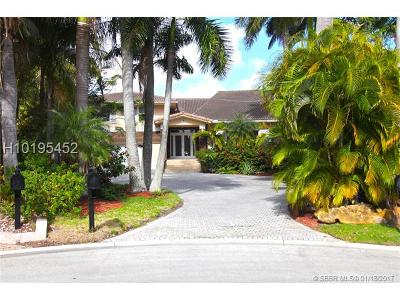 Golden Beach Single Family Home For Sale: 451 Centre Is