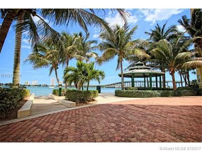West Palm Beach Condo For Sale: 2650 Lake Shore Drive #2005