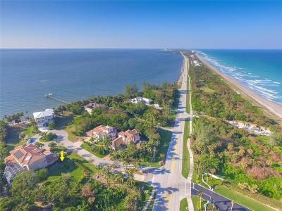 Jensen Beach Single Family Home For Sale: 112 Island Dunes