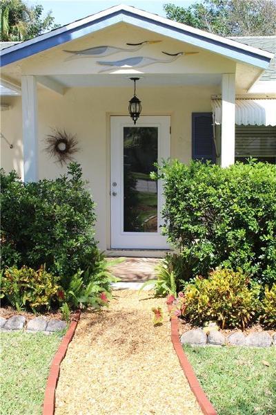 Hobe Sound Single Family Home For Sale: 8683 SE Jardin