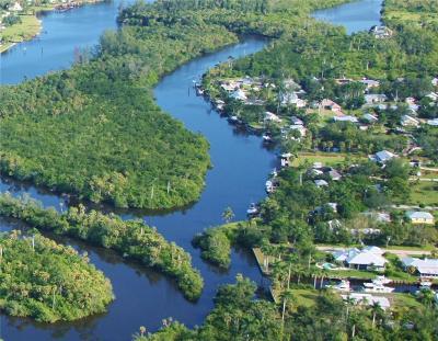 Stuart Single Family Home For Sale: 615 SW Saint Lucie