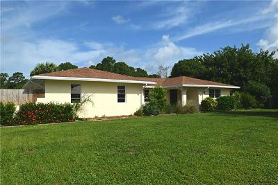 Jensen Beach Single Family Home For Sale: 2696 NE Cypress