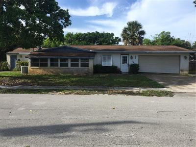 Jensen Beach Single Family Home For Sale: 786 NE Bernard