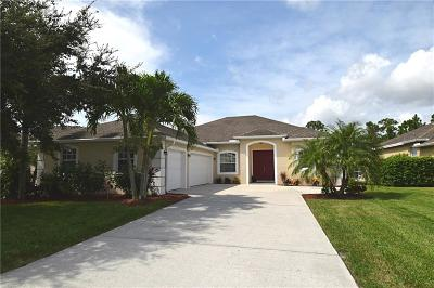 Jensen Beach Single Family Home For Sale: 472 NW Sunflower
