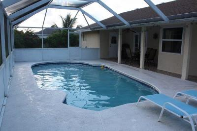 Port Saint Lucie Single Family Home For Sale: 952 SE Damask
