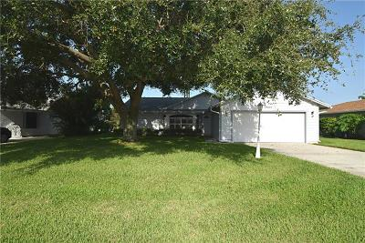 Jensen Beach Single Family Home For Sale: 2040 NE Hoya Calle