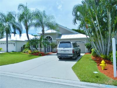 Jensen Beach Single Family Home For Sale: 824 NW Waterlily