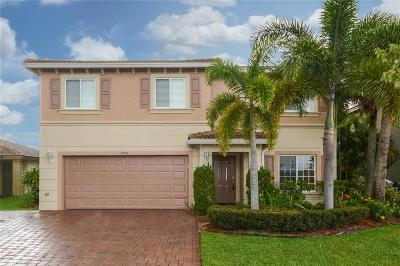 Port Saint Lucie Single Family Home For Sale: 1895 SW Newport Isles