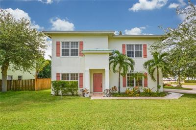 Palm City Single Family Home For Sale: 860 SW 27th