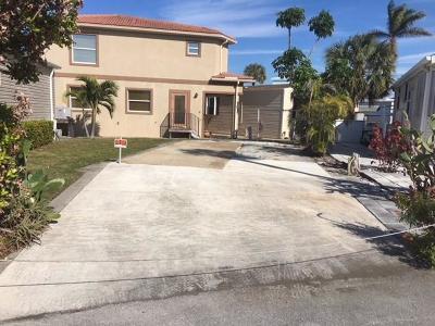Jensen Beach Single Family Home For Sale: 494 Nettles