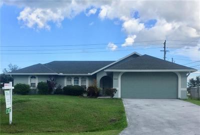 Port Saint Lucie Single Family Home For Sale: 3005 SE Wake
