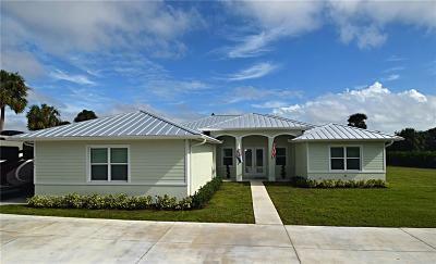 Jensen Beach Single Family Home For Sale: 1231 NE Sunrise