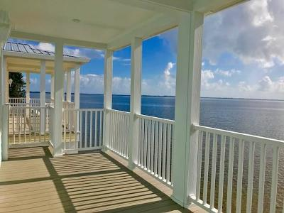 Jensen Beach Single Family Home For Sale: 431 SE Intracoastal