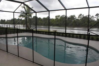 Port Saint Lucie Single Family Home For Sale: 292 SW Vista Lake