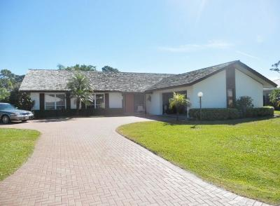 Yacht & Cc/Stuart, Yacht & Count Club Of Suart, Yacht & Country Club, Yacht & Country Club Of Stuart, Yacht & Country Club Stuart, Yacht And Country Club Of Stua, Yatch & Country Club Stuart Single Family Home For Sale: 3543 SE Fairway