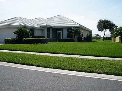 Palm City Single Family Home For Sale: 2107 SW Mayflower