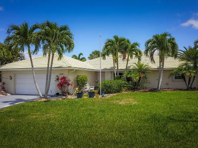 Yacht & Cc/Stuart, Yacht & Count Club Of Suart, Yacht & Country Club, Yacht & Country Club Of Stuart, Yacht & Country Club Stuart, Yacht And Country Club Of Stua, Yatch & Country Club Stuart Single Family Home For Sale: 3403 SE Fairway