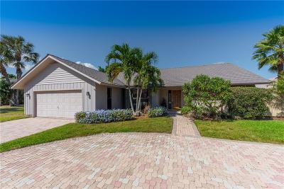 Hobe Sound Single Family Home For Sale: 8583 SE Seagrape