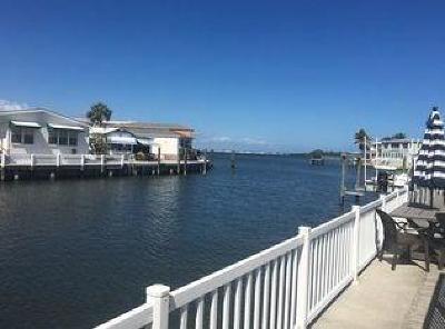 Jensen Beach Single Family Home For Sale: 10701 S Ocean Drive