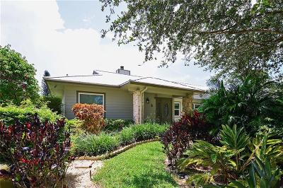 Hobe Sound Single Family Home For Sale: 13144 SE Cypress Point