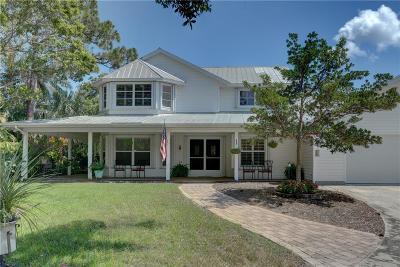 Hobe Sound Single Family Home For Sale: 8818 SE Sharon