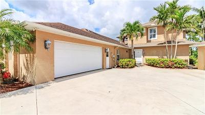 Stuart Single Family Home For Sale: 2308 SE Diamond Ct
