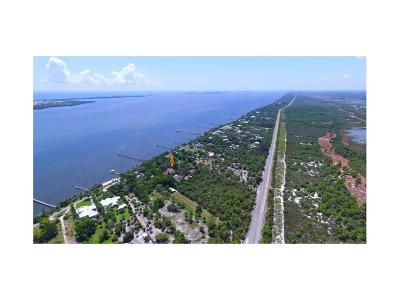 Fort Pierce Single Family Home For Sale: 8053 S Indian River Drive