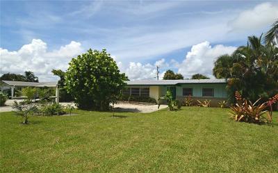 Jensen Beach Single Family Home For Sale: 1644 NE Arch Avenue